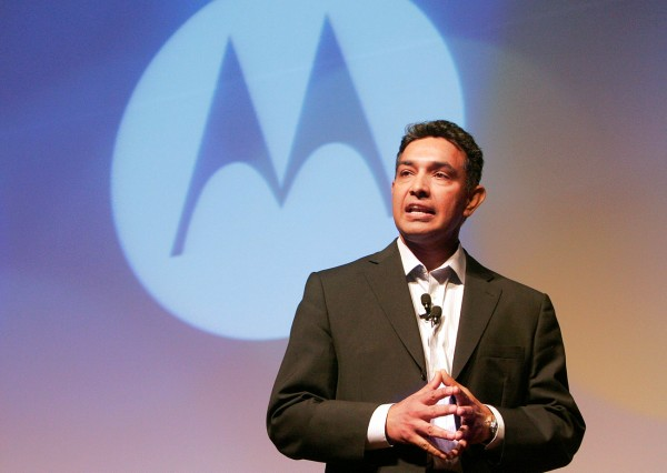 Motorola Attempts To Straighten Out CEO's Statements On Third Party Applications